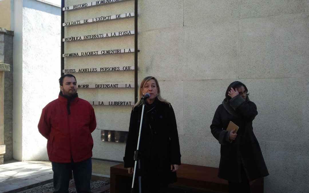 Record als soldats republicans del cementiri de Vilanova i la Geltrú