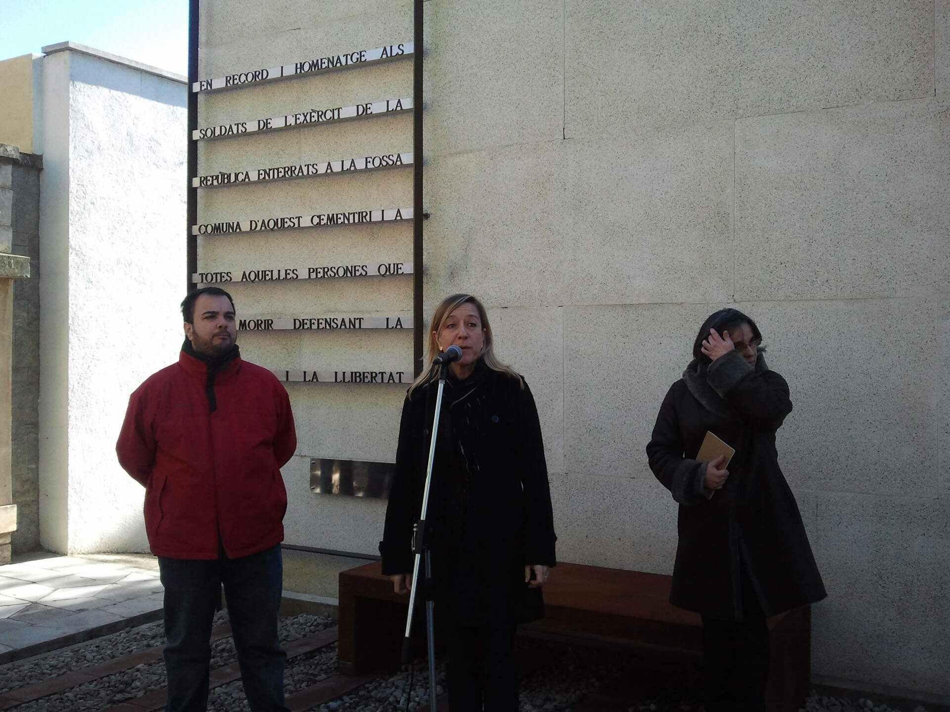 Record als soldats republicans del cementiri de Vilanova i la Geltrú...
