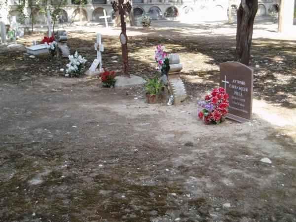 Homenatge als soldats que van perdre la vida defensant la Repùblica...