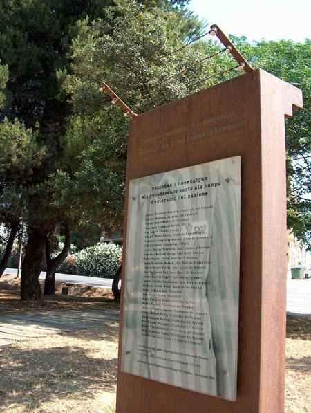 Monòlit en Homenatge als Morts penedesencs als Camps d'Extermini Nazis
