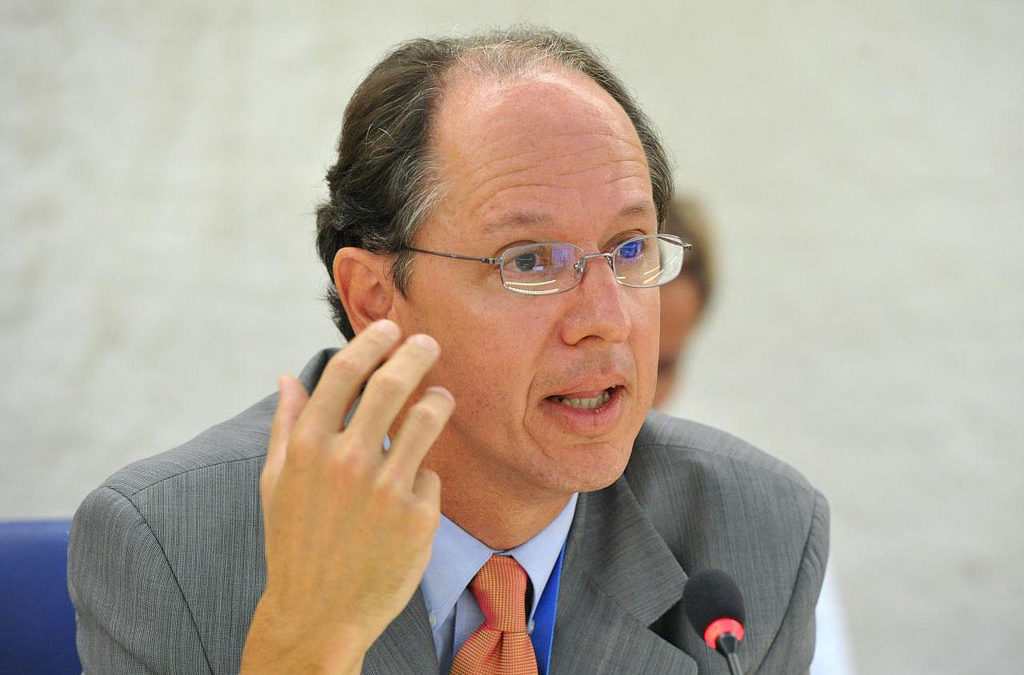 L'EIP lliura el dossier sobre les fosses del Penedès al Relator Especial de les Nacions Unides